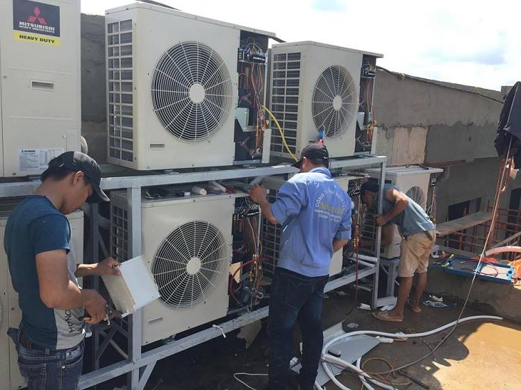 Nên lắp đặt máy lạnh âm trần hay máy lạnh tủ đứng cho nhà hàng? - www.TAICHINH2A.COM